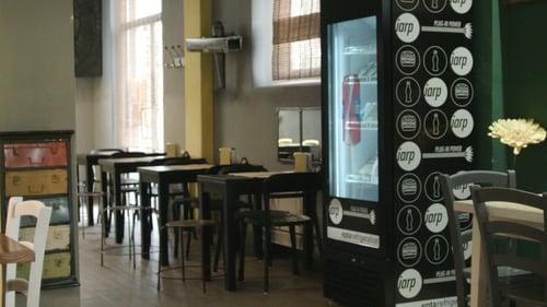 vetrina frigo bar interattiva